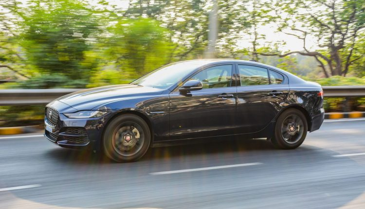 2020-Jaguar-XE-P250-India-Review-3