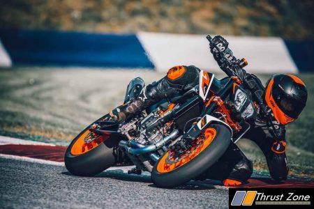 2021 KTM Duke 890R (1)