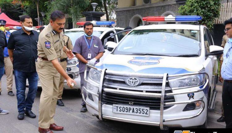 Hyderabad Police Vehicles To Be Sanitised By Mahavir Group (4)