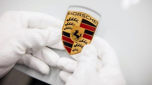 The history of the Porsche Crest. Focus on horsepower