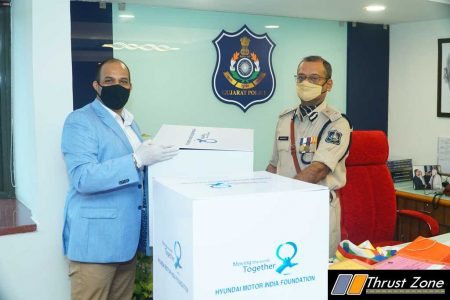Photo - Handover of Khadi Masks by Hyundai Motor India-Hyundai Care