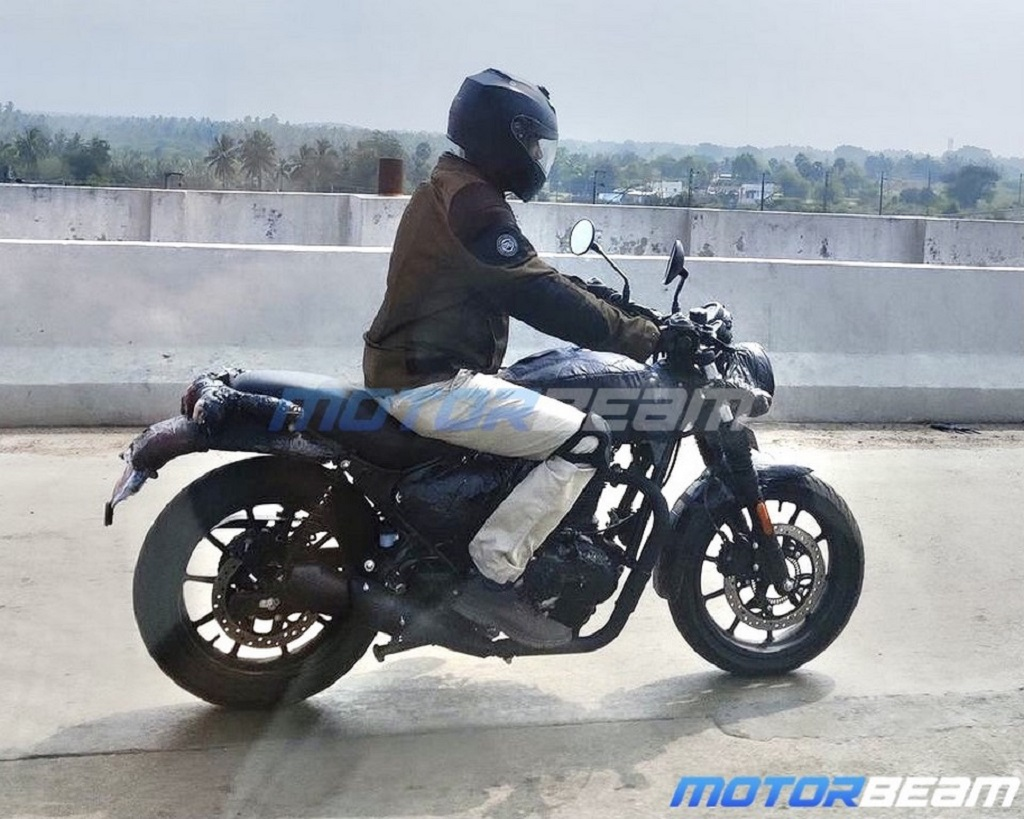 Royal-Enfield-Hunter-Spotted-1