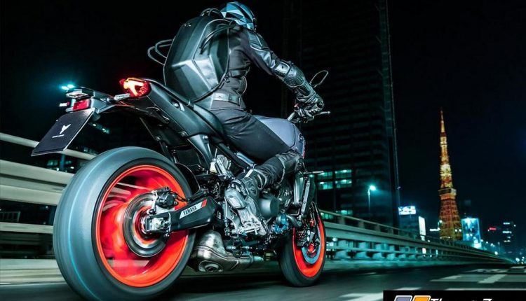 2021-Yamaha-MT-09-International-4