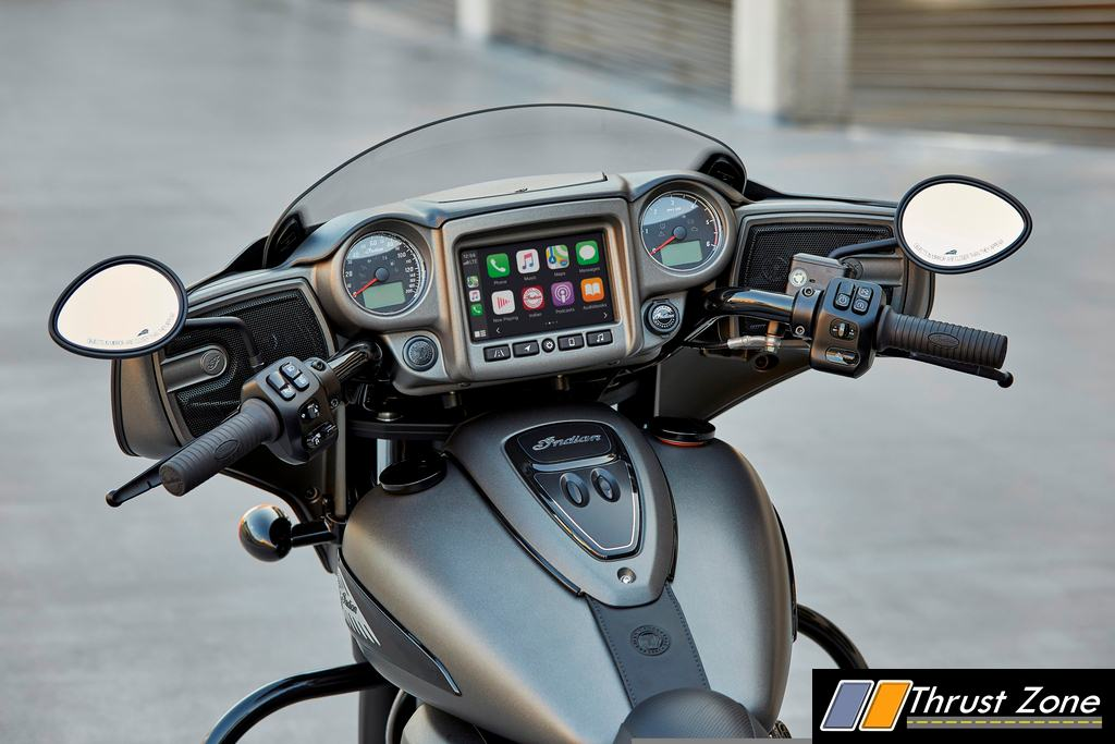 Indian Ride Command with Apple CarPlay®