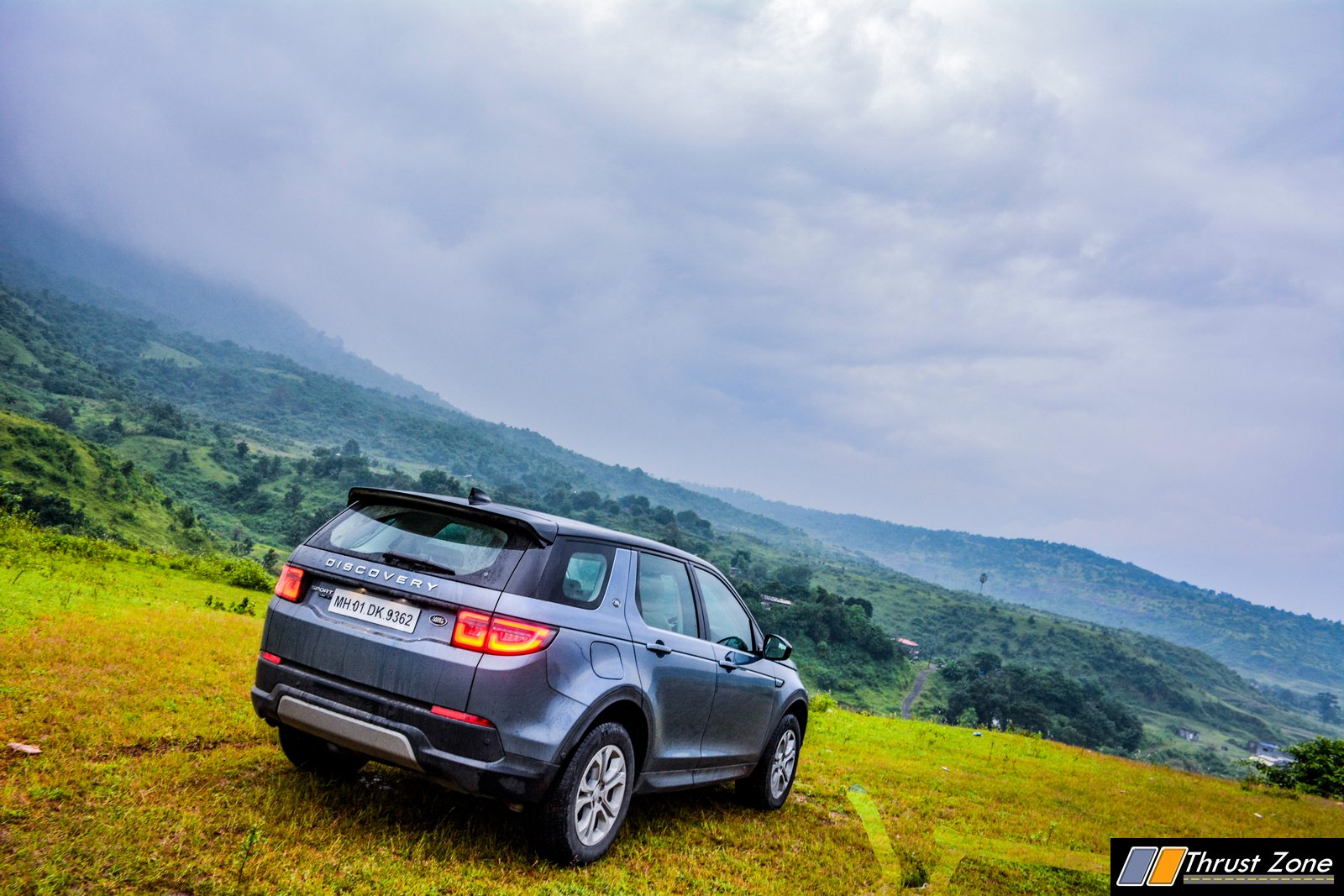 2020-Land-Rover-Discovery-Diesel-India-Review-17