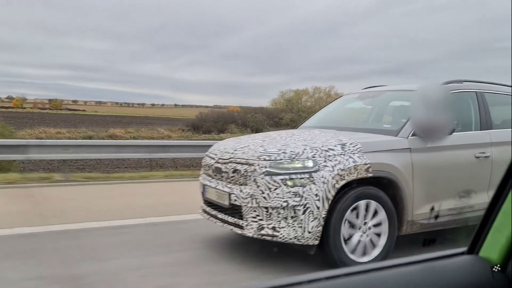 2021 Skoda Kodiaq Facelift Spotted Testing In Europe (3)