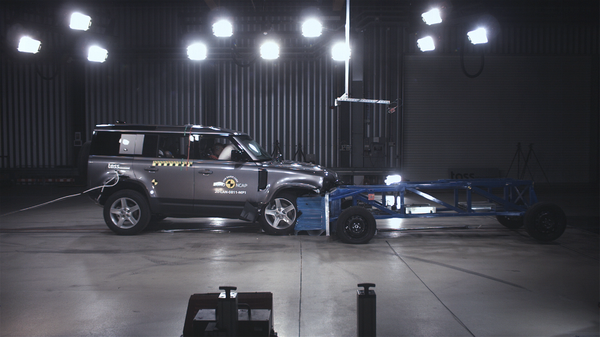 5 Star Safety Rating For Land Rover Defender From Euro NCAP (1)