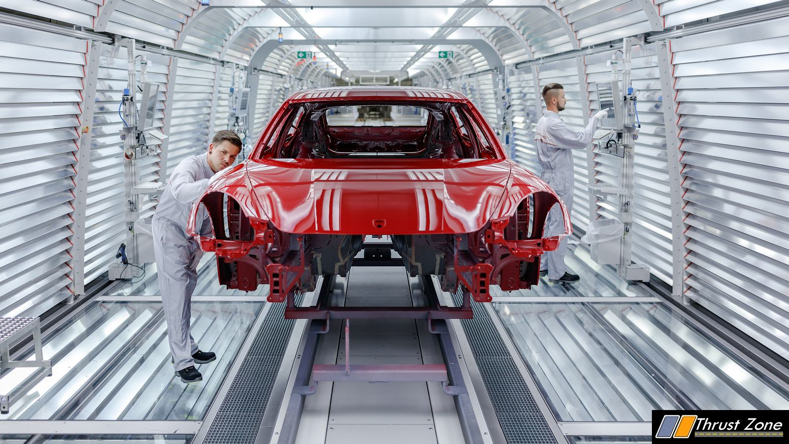 How Robots and Humans Make the Sportiest Saloon On Planet Earth - Porsche Panamera (2)