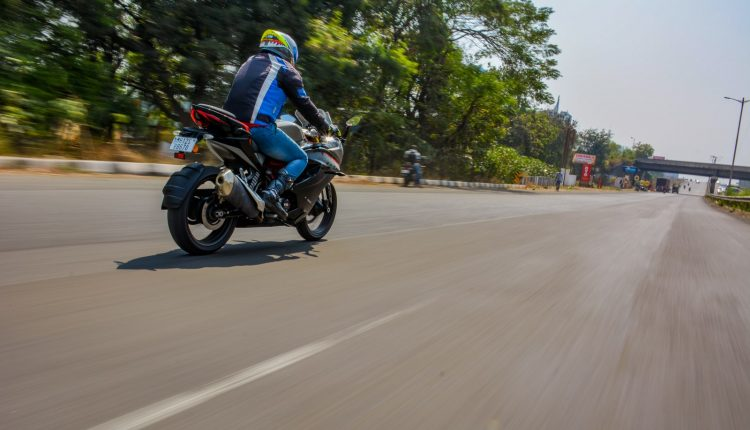 2020-TVS-BS6-Apache-RR310-Review (1)