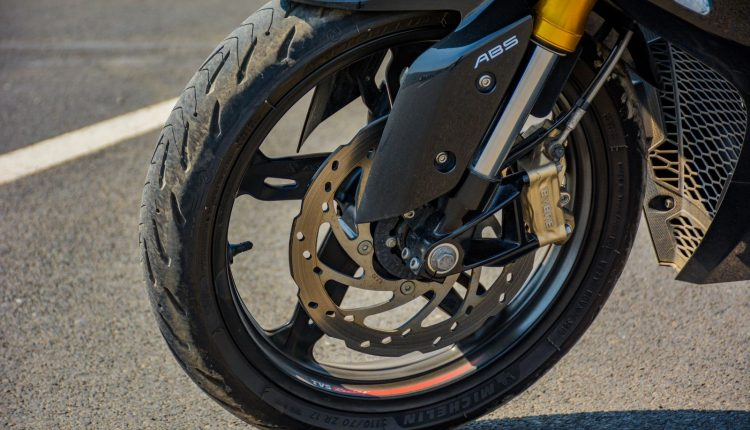2020-TVS-BS6-Apache-RR310-Review (10)