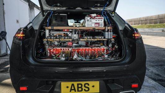 Porsche All-Electric Macan (3)