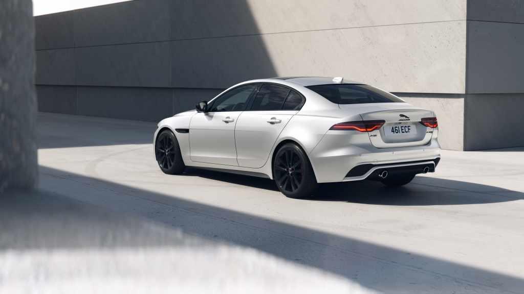 2022 New Jaguar XF And XE R-Dynamic Black Models (1)