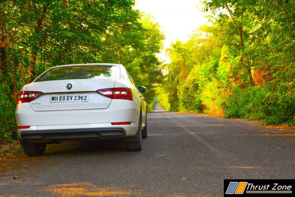 2016-skoda-superb-diesel-review-5