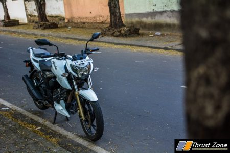 2016-tvs-apache-rtr-200-4v-review-0694