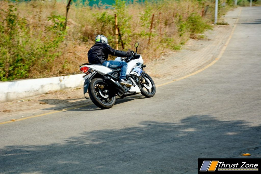 2016-yamaha-r15s-india-review-21