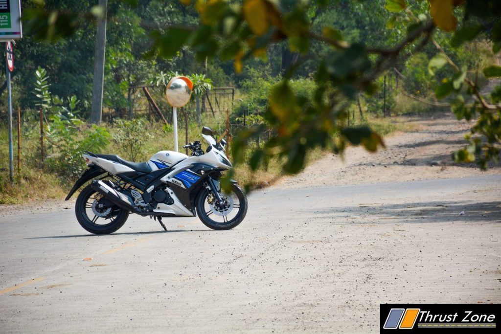 2016-yamaha-r15s-india-review-3