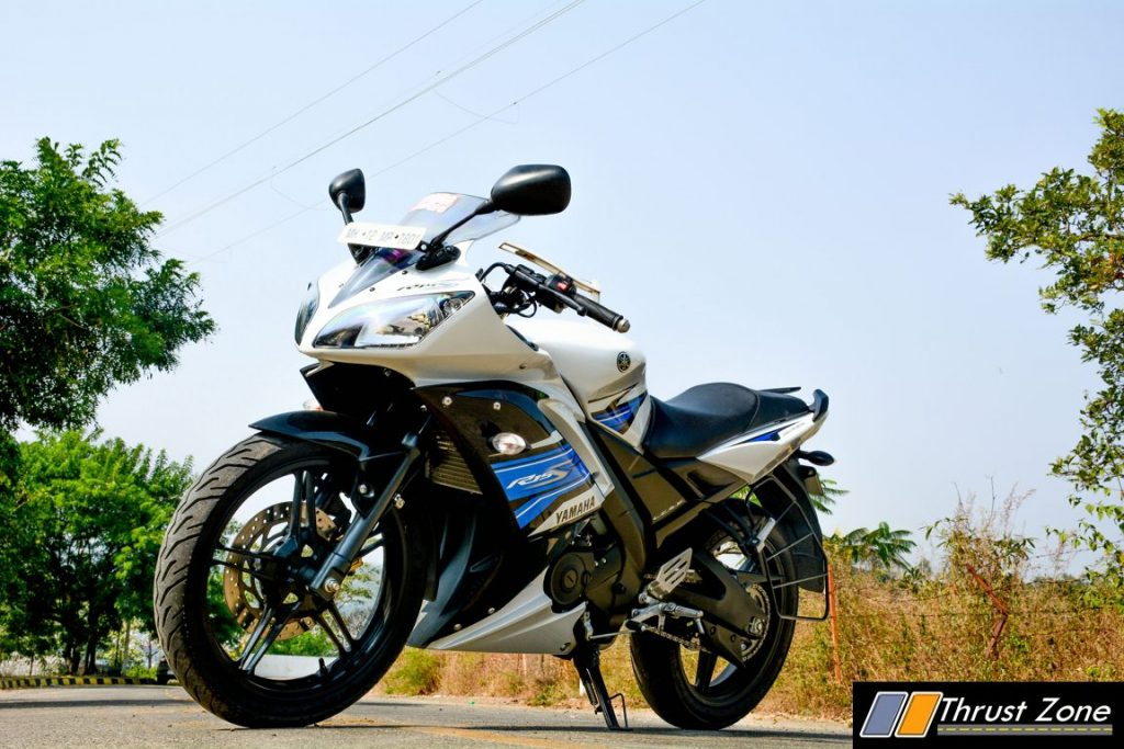 2016-yamaha-r15s-india-review-8