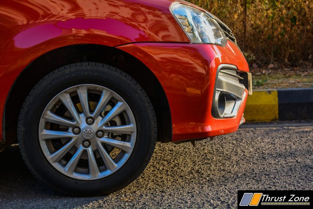 2016-toyota-etios-platinum-diesel-review-16