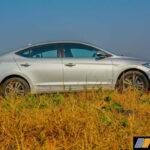 2016-hyundai-elantra-review-petrol-31