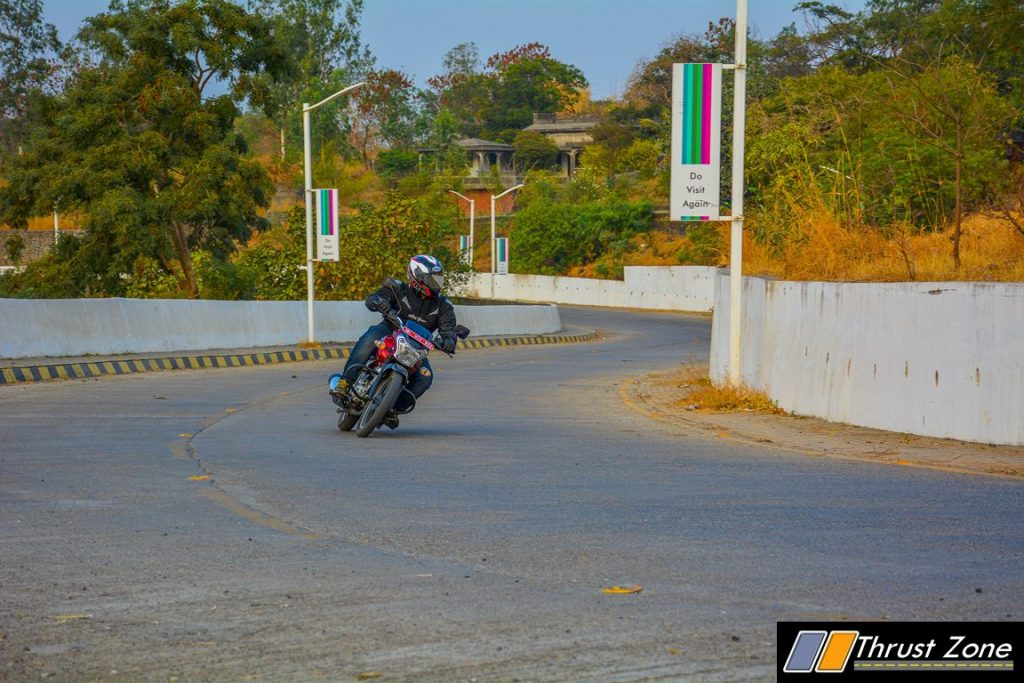 2017-bajaj-v12-review-12