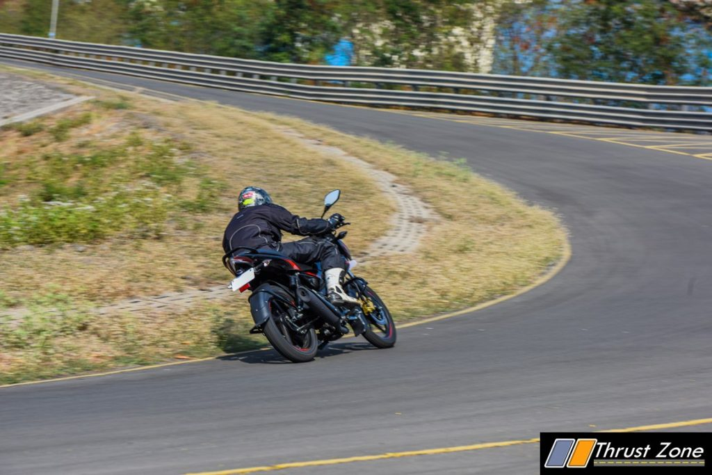 2017-bajaj-pulsar-135-ls-bsiv-review-2