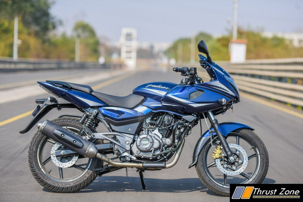 Yamaha Dt 250 Classic Motor Cycle 8302 further 2012 Husqvarna Smr 511 Review also Xl 350r 1984 moreover Yamaha R15 New Colours Prices Grid Gold Raring Red Invincible Black Racing Blue additionally 2017 Bajaj Pulsar 220f Bsiv Review First Ride Changes New Model Specs Images. on benelli 250 four