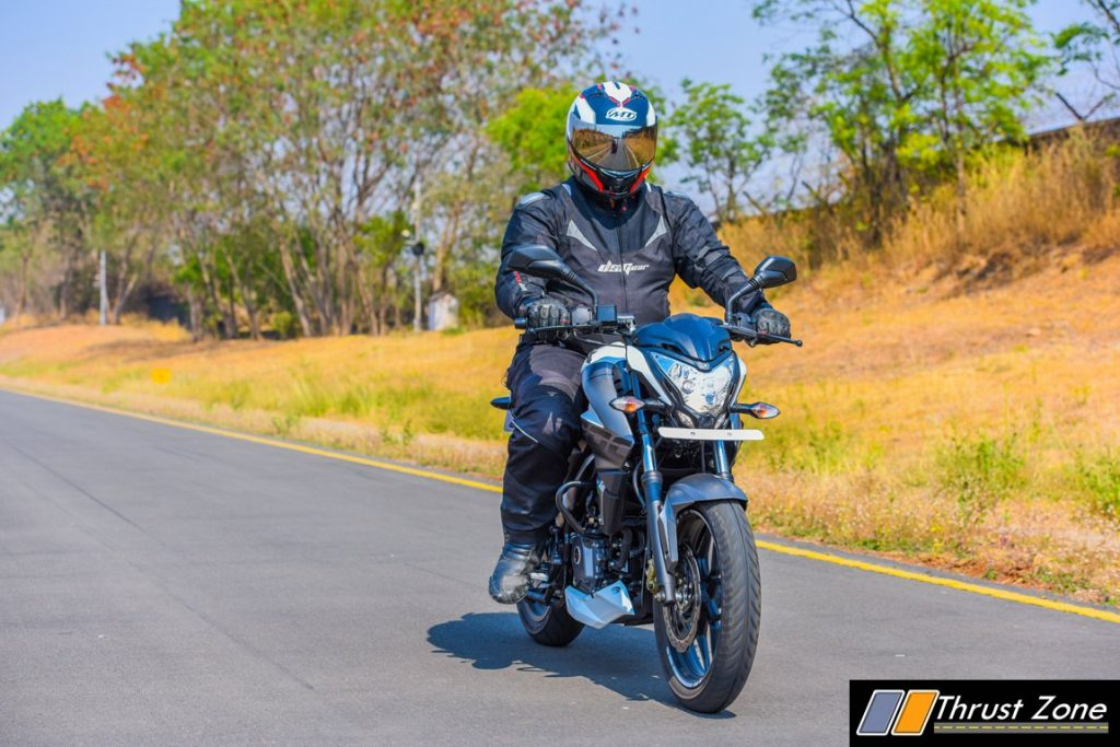 2017-bajaj-pulsar-ns-200-bsiv-review-1