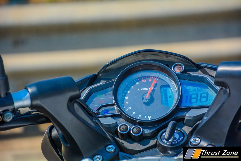 2017-bajaj-pulsar-ns-200-bsiv-review-24