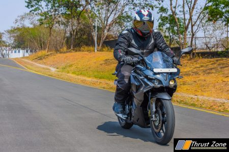 2017-bajaj-pulsar-rs200-bsiv-review-1