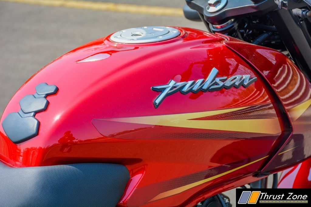 2017-bajaj-pulsar-180-bsiv-review-9
