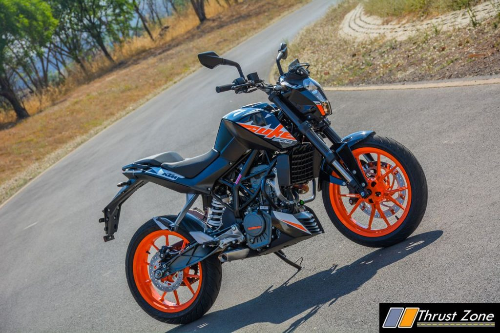2017-ktm-duke-200-review-bsiv-18