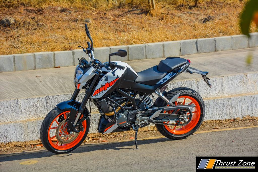 2017-ktm-duke-200-review-bsiv-6