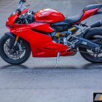 2017-ducati-959-panigale-india-review-14