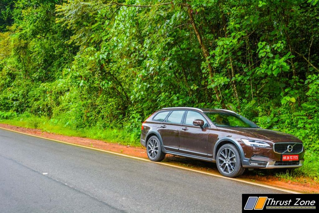 volvo-v90-cross-country-2017-review-33