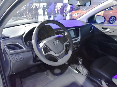 2017-hyundai-verna-interior-india-9