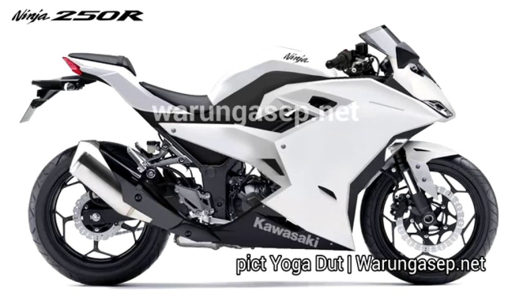 Kawasaki Ninja Zx 25r Four Cylinder Engine Details Leaked Makes 40 Ps