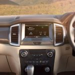 2016-ford-endeavour-interior